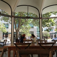 Photo taken at La Boulange de Palo Alto by Tristan on 5/15/2012