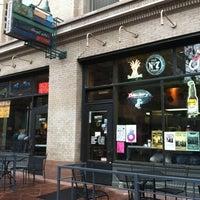 Foto scattata a Illegal Pete's da Jeos O. il 4/14/2012