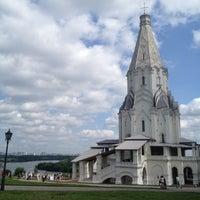 Das Foto wurde bei Набережная в Коломенском von Ann V. am 7/7/2012 aufgenommen