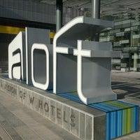 Photo taken at Aloft London ExCeL by RespTourismSA on 11/13/2011