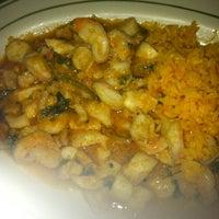 Foto tirada no(a) El Nuevo Amanecer Restaurant por Jay M. em 7/16/2011
