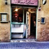 Foto tomada en Timeline Bar por Eliza Ariadne K. el 3/1/2012