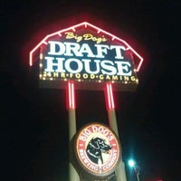 Photo taken at Big Dog's Draft House by Manny on 11/22/2011