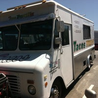 Photo taken at Tacos Peralta by Mason W. on 7/27/2011
