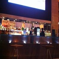 Photo taken at Canvas Bar & Restaurant by Bruno Borghetti .. on 6/26/2011