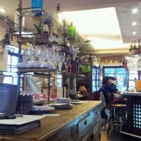 Foto tomada en Café Oliver por Jaime E. el 12/17/2011