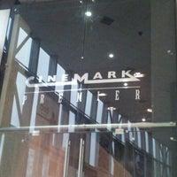 Das Foto wurde bei Cinemark von Jesica M. am 8/22/2012 aufgenommen