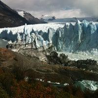 Foto tirada no(a) Administración Parque Nacional Los Glaciares por Adrian G. em 3/18/2012