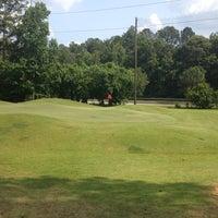 Foto tomada en Fox Creek Golf Course and Driving Range por Carlos S. el 5/25/2012
