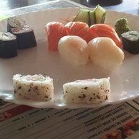 Foto tirada no(a) Manzoku por Mariane C. em 6/27/2012