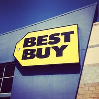 Photo taken at Best Buy by Hidekazu I. on 8/16/2012