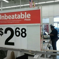 Das Foto wurde bei Walmart von Sherman G. am 7/11/2011 aufgenommen