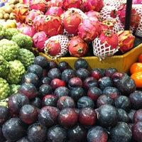 Photo taken at Supermercados Mambo by Rogério E. on 4/18/2011