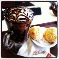 Photo taken at McDonald's by Manoel G. on 11/6/2011