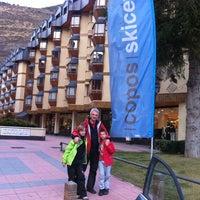 Foto tomada en Copos Ski Center por Gemma S. el 1/8/2011