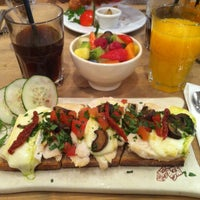 Photo taken at Le Pain Quotidien by Michelle F. on 5/27/2012
