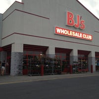 Photo taken at BJ's Wholesale Club by Tom A. on 5/26/2012