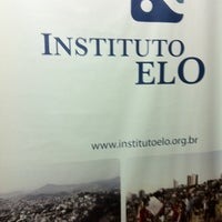 Photo taken at Instituto Elo by Renata V. on 6/27/2011
