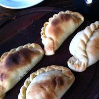 Das Foto wurde bei Empanadas Bar von Silvia M. am 10/1/2011 aufgenommen