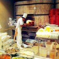 Photo taken at Pizzaria Monte Vero by Thiago C. on 4/6/2012