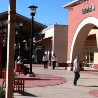 Photo taken at Chicago Premium Outlets by Claudio B. on 10/4/2011