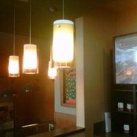 Снимок сделан в Starbucks пользователем Sebas P. 9/3/2012