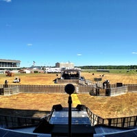 Photo taken at Vernon Downs Casino by Lef C. on 8/29/2012