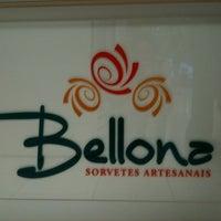 Снимок сделан в Bellona Sorvetes Artesanais пользователем Francine V. 10/7/2011