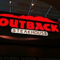 Foto tirada no(a) Outback Steakhouse por Leonardo R. em 6/24/2012