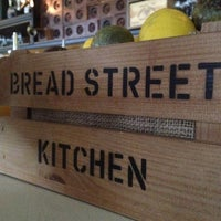 Photo taken at Bread Street Kitchen by Yamit D. on 5/23/2012