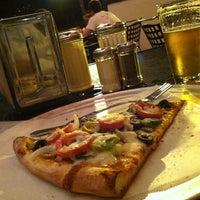 6/18/2012 tarihinde Bryan K.ziyaretçi tarafından Fellini's Pizza'de çekilen fotoğraf