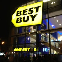 Photo taken at Best Buy by Louis C. on 12/3/2011