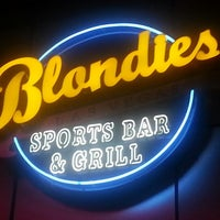 9/9/2012にAlvin E.がBlondies Sports Bar & Grillで撮った写真