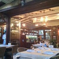 8/26/2011 tarihinde egearican t.ziyaretçi tarafından Misina Balık Restaurant Fenerbahçe'de çekilen fotoğraf