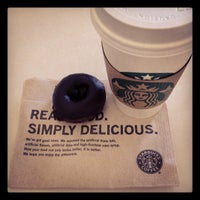 Das Foto wurde bei Starbucks von Blixt am 1/30/2012 aufgenommen
