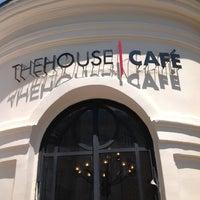 Foto tirada no(a) The House Café por Ali T. em 7/10/2012