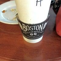 9/8/2012 tarihinde Darla B.ziyaretçi tarafından Boston Common Coffee Company'de çekilen fotoğraf