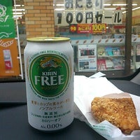 Photo taken at 7-Eleven by としパパ on 7/16/2012