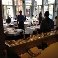 3/23/2012 tarihinde Greg J.ziyaretçi tarafından Mare Oyster Bar'de çekilen fotoğraf