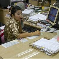 รูปภาพถ่ายที่ สำนักงานสรรพากรนนทบุรี โดย Rainny Rain เมื่อ 2/29/2012