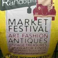 รูปภาพถ่ายที่ Randolph Street Market โดย Darcie L. เมื่อ 5/26/2012