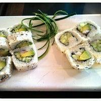 Foto tomada en Sushi Roll por Claudia Yadira O. el 8/31/2012