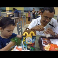 Photo taken at McDonald's by Manuel R. on 4/14/2012