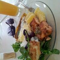 Foto tirada no(a) Restaurante Alentejano por Rafaela L. em 9/9/2012