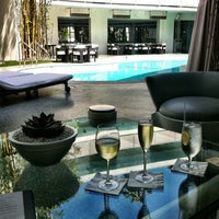 Photo taken at Avalon Hotel Beverly Hills by Marisa on 5/19/2012