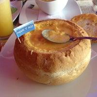 Foto tomada en Restaurante Doña Petrona por Juan el 8/10/2012