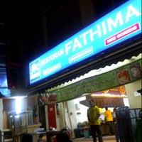 Photo taken at Restoran Fathima by Anna J. on 7/26/2012