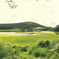 Photo taken at 나인브릿지 CC (Nine Bridge Country Club) by yeseul k. on 8/18/2012