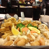 Photo taken at The Manhattan Fish Market by ❤babydeinna❤ on 4/27/2012