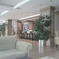 6/22/2012 tarihinde Jiri Z.ziyaretçi tarafından Meryan Hotel'de çekilen fotoğraf